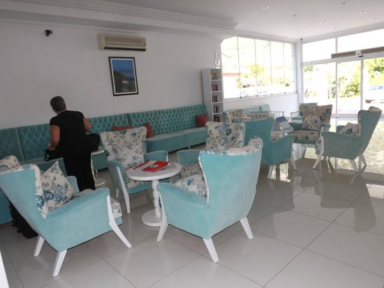 Karbel Beach Hotel: Brand New Lobby