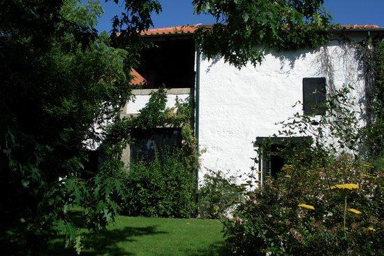 Casa de Santo Antonio de Britiande: Fachada interior jardin