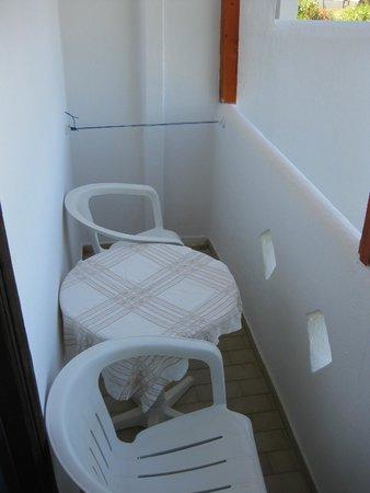 Hotel Lofos: balcone
