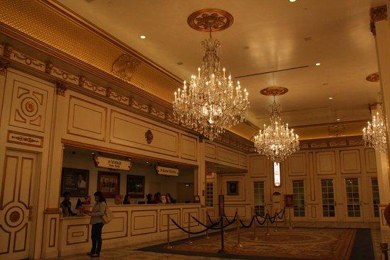 Paris Las Vegas: Recepção do hotel