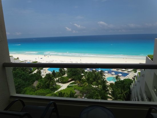 Live Aqua Cancun All Inclusive: Vista habitacion