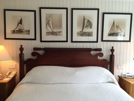 Inn at Perry Cabin by Belmond: King size bed