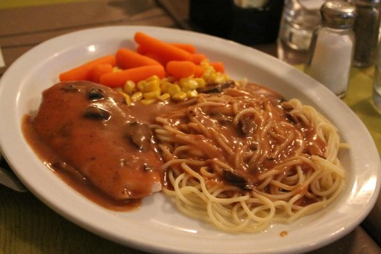 Chicken Steak Really Just Chicken Breast Picture Of Restaurant Vieille Maison Du Spaghetti Quebec City Tripadvisor