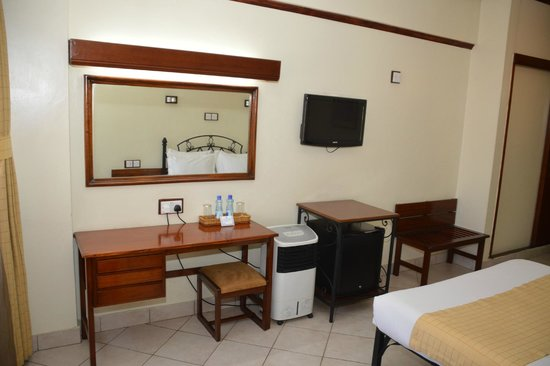 Sentrim 680 Hotel: Guest Room - Amenities