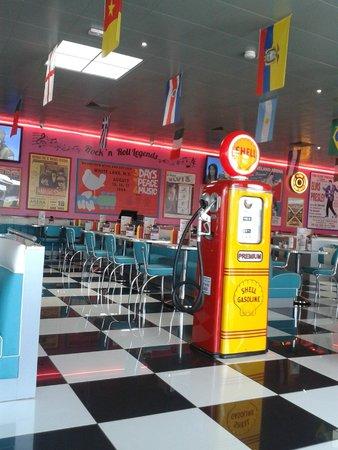 Tommy's Diner Caen: super déco