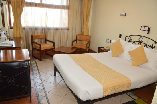 Sentrim 680 Hotel: Guest Room