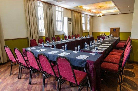 Sentrim 680 Hotel: Conference Hall