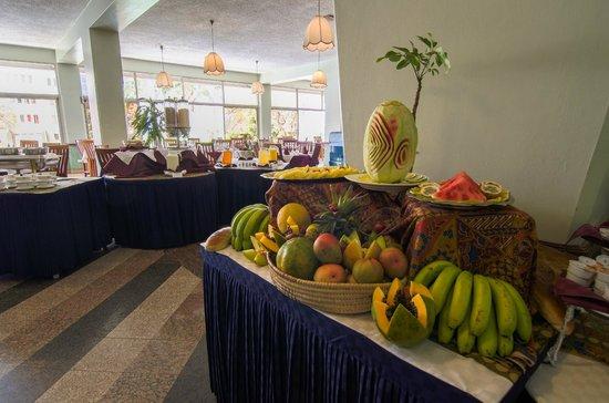 Sentrim 680 Hotel: Restaurant
