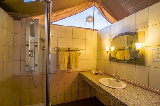 Sentrim Amboseli : En Suite Bathroom