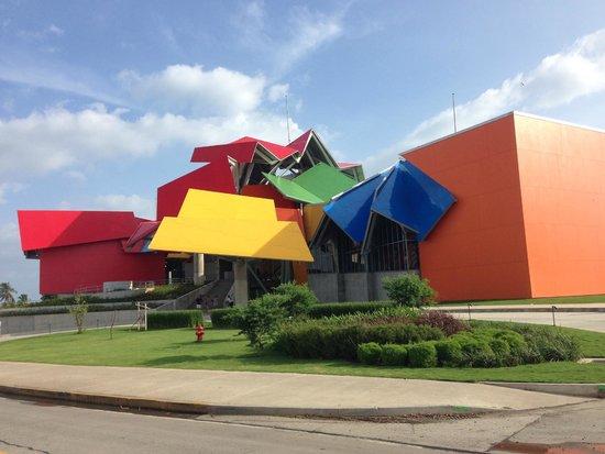 Biomuseo: The museum's façade