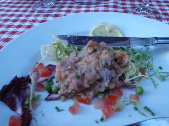 Cafe Comptoir Abel: tartare de saumon