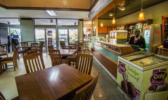 Sentrim 680 Hotel: Coffee Shop