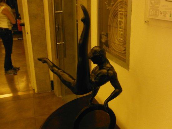 Hotel Adriano: Peça decorativa em um dos salões do hotel
