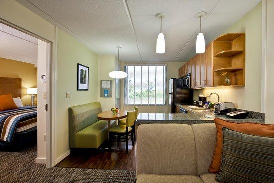 HYATT house Fort Lauderdale Airport & Cruise Port: One bedroom Suite