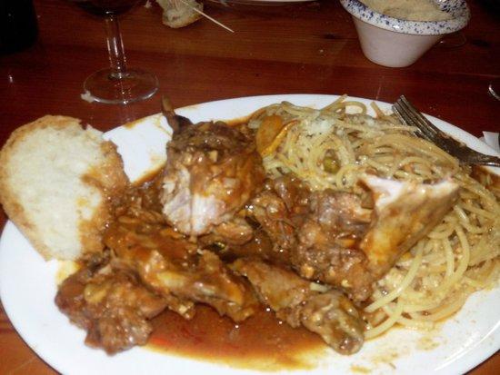 Ta' Rikardu: coniglio con spaghetti