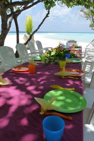Maldive Due Palme: Il pranzo all'isola di Ambara