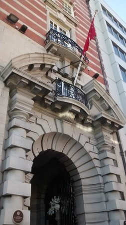 30 James Street, Home of the Titanic: 30 James Street entrance