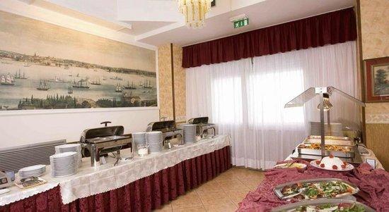 Hotel Apollo: Primi serviti in questo modo in hotel 3 stelle sup
