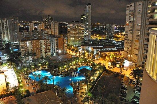 Sol Pelícanos Ocas: Panoramic night shot from our balcony