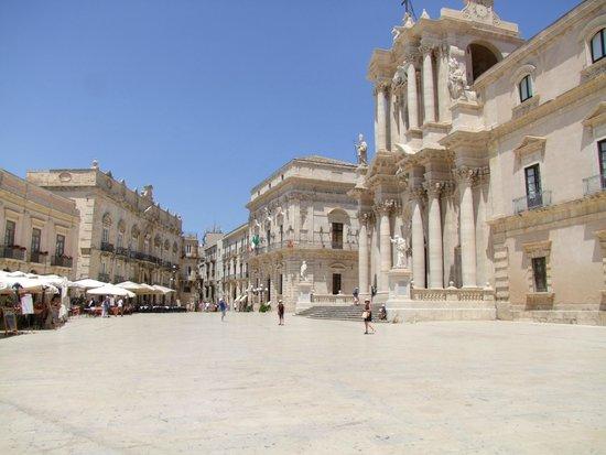 Ortigia: Piazza del Duomo, vue générale