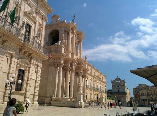 Ortigia: Piazza del Duomo