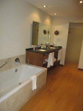 Protur Biomar Gran Hotel & Spa: Large Double Bath