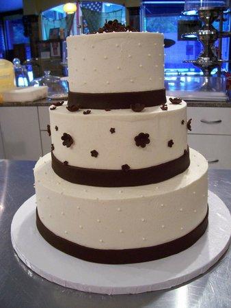 3 Tiered Wedding Cake in brown - Picture of Sweety Pies, Skokie ...