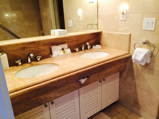 Surf & Sand Resort : vanity