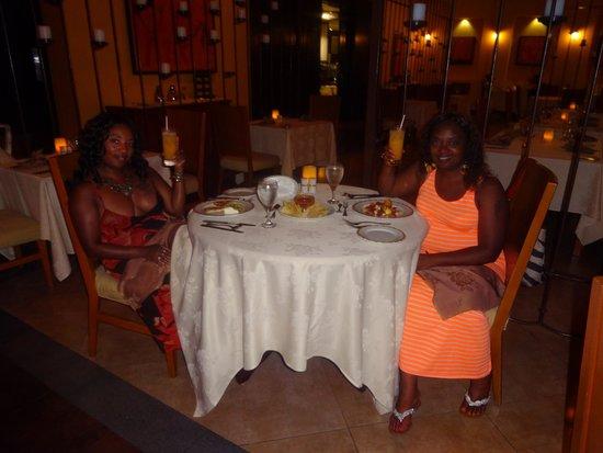 Secrets Wild Orchid Montego Bay : dinning with my bestie