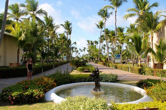 Sirenis Punta Cana Resort Casino & Aquagames: The grounds were beautiful