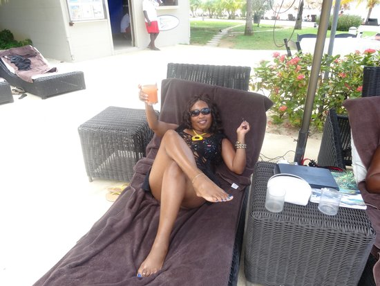 Secrets Wild Orchid Montego Bay : Pool area with never ending Jamaican Rum Punch thanks to a special bar girl