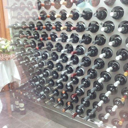 El Patio II : Good wine selection