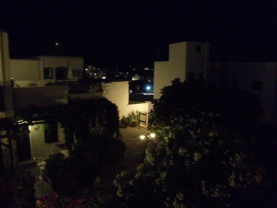 Hotel Christina: notturno sul giardino