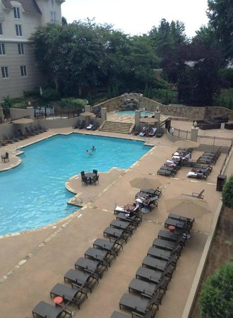 Chateau Elan Winery And Resort: Pool