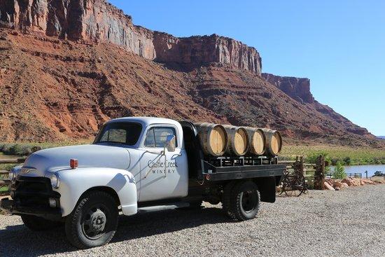 Red Cliffs Lodge : Winery next door