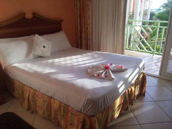 Bay Gardens Beach Resort: Room 608