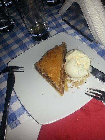 Manolis Taverna: dolce miele e noci