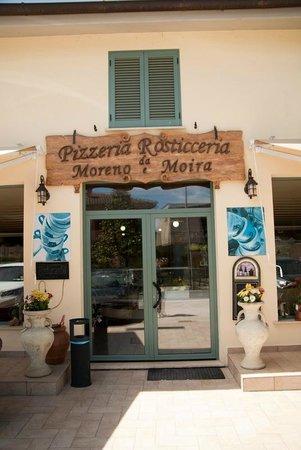 Ristorante Pizzeria Rosticceria da Moreno e Moira: Entrate ed accomodatevi