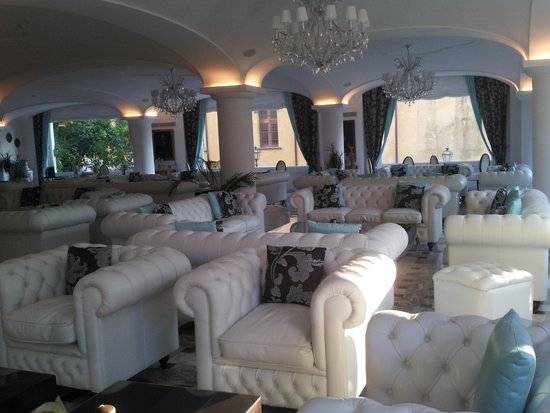 Grand Hotel La Favorita : tiffany style upholstery in the bar and restaurant area