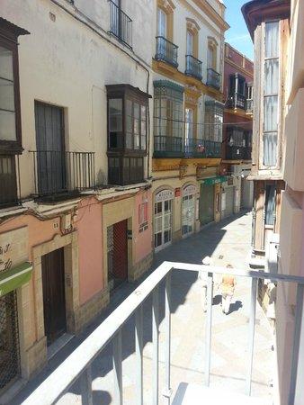 Hotel Dona Blanca: Vista desde el pequeño balcón de la habitación