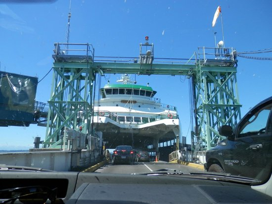Washington State Ferries: Driving onto Ferry