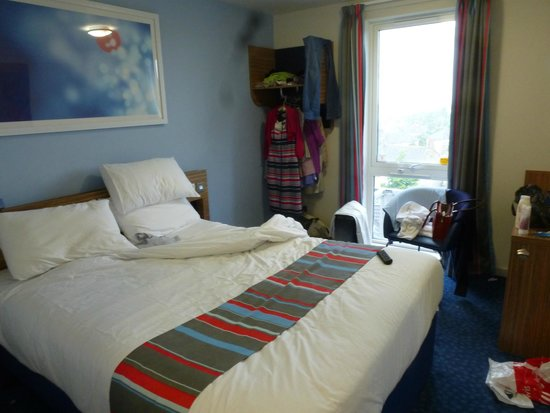 Travelodge Cambridge Newmarket Road: Premier Inn much larger