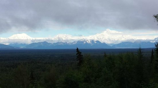 Traleika Mountaintop Cabins: Denali from the cabin