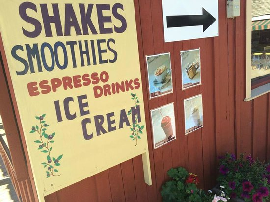 WakeCup cafe: shake, smoothies, coffe