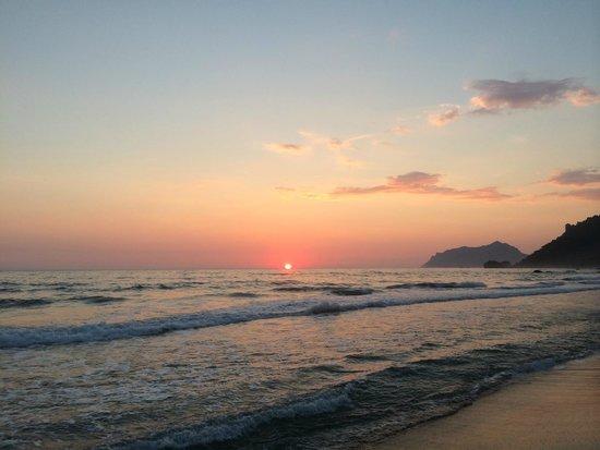 Mayor La Grotta Verde Grand Resort: Sunset in Corfu. Agios Gordios.