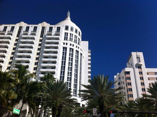 Loews Miami Beach Hotel: Une façade vue dans de nombreux films