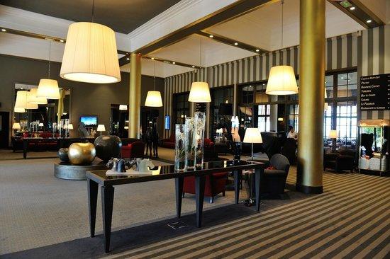 Hôtel Barrière L'Hôtel du Golf Deauville: Hotelhalle
