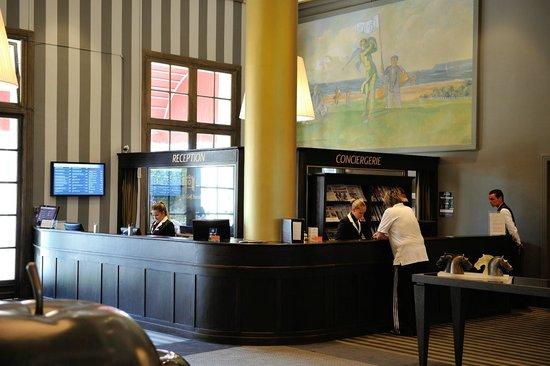 Hôtel Barrière L'Hôtel du Golf Deauville: Rezeption