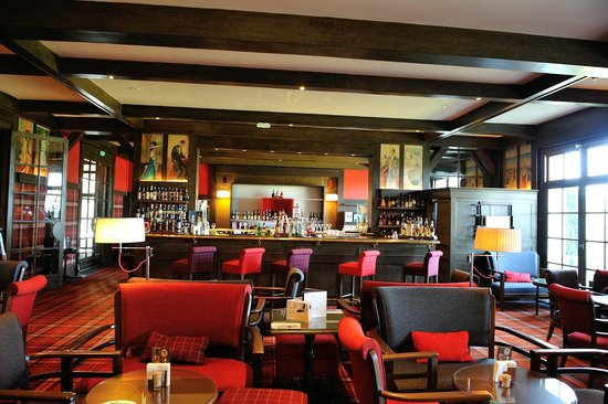 Hôtel Barrière L'Hôtel du Golf Deauville: Bar