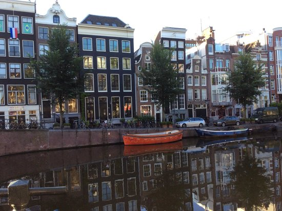 Heren Bed & Breakfast Amsterdam: Outside the Heren B&B